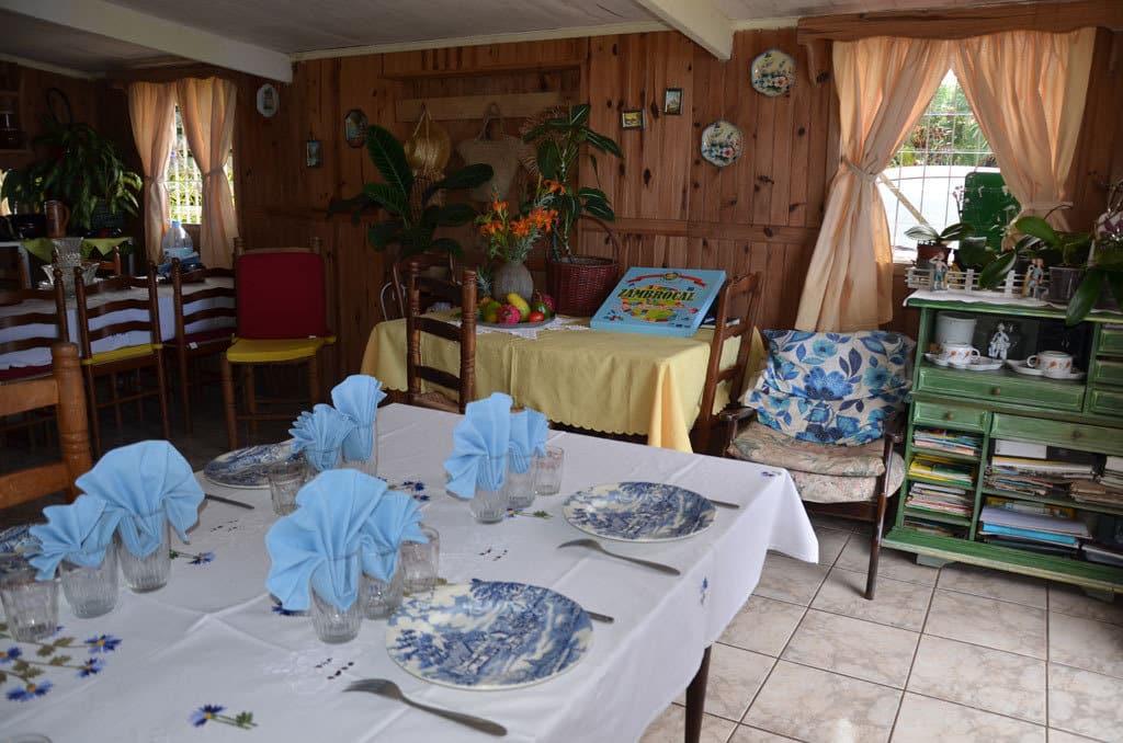 Table d'hôte TIPARY