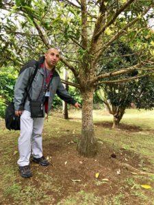 Mathieu et un Bois de Takamaka des hauts